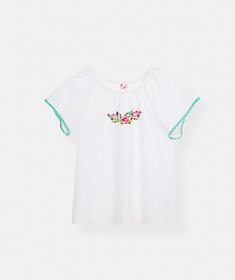 T-shirt com bordados e renda